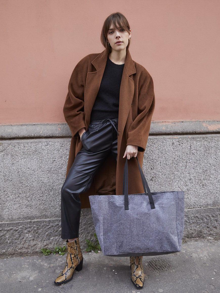 l'aura modella shopping extra large glitter grigio piombo-1