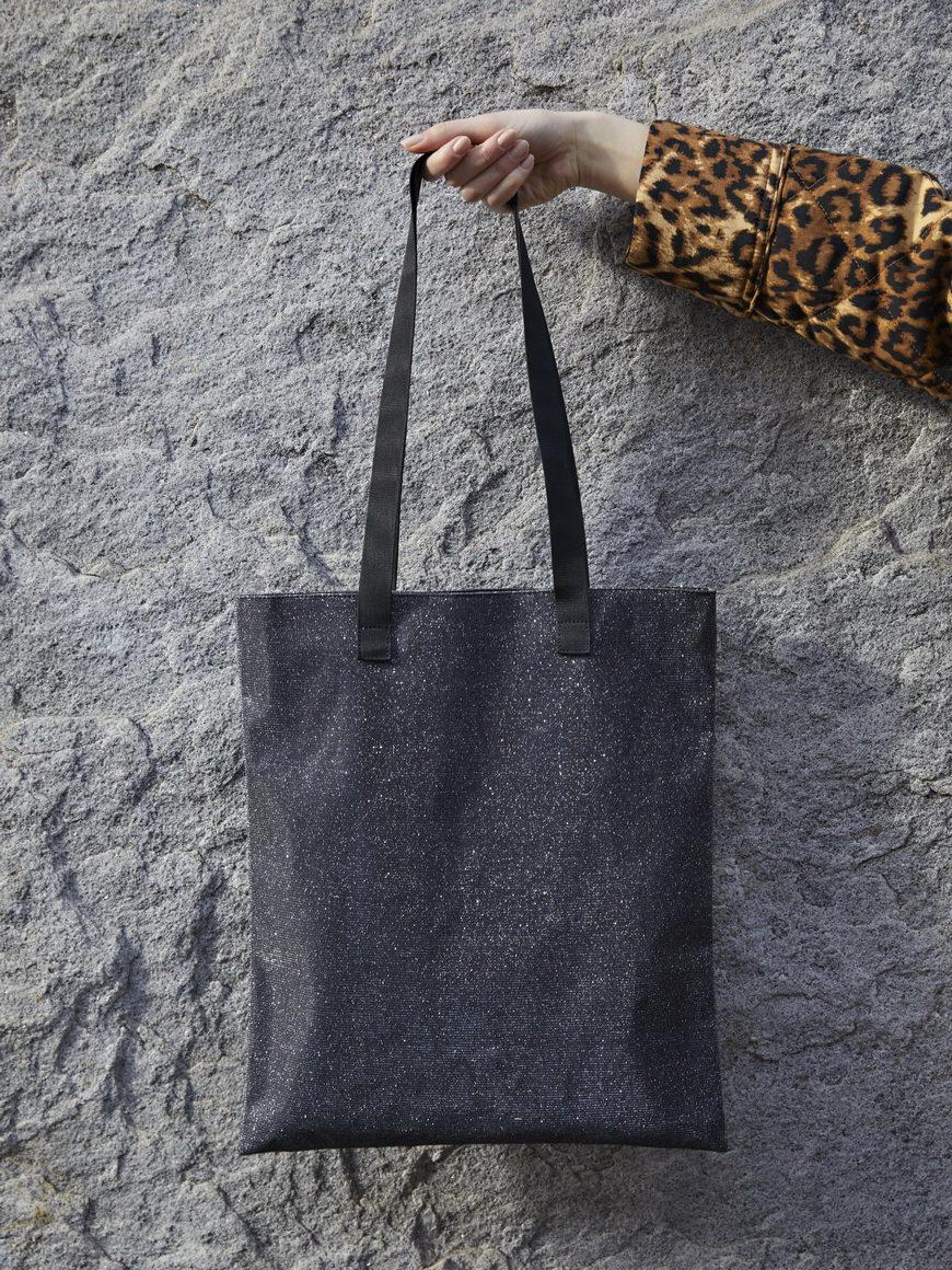 l'aura modella shopping small glitter grigio piombo-3