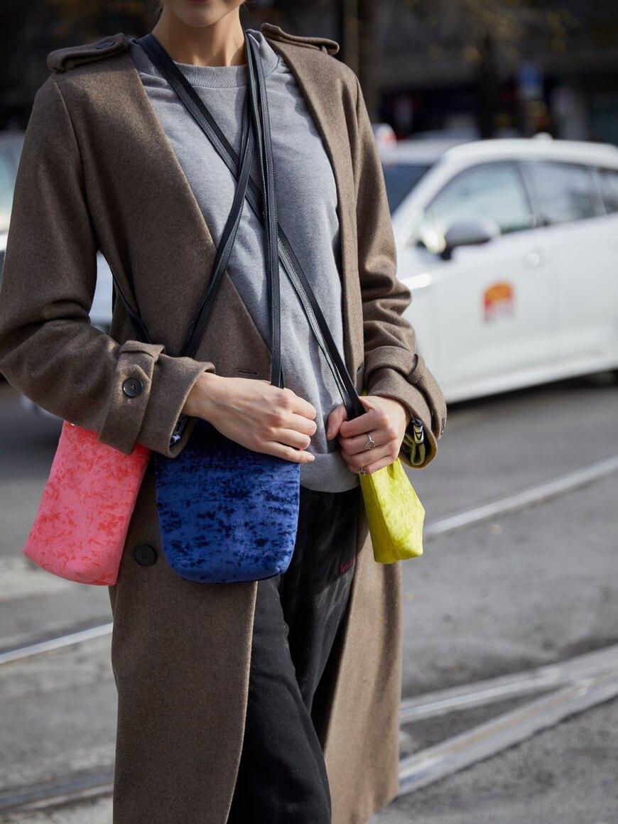 L'AURA party bag new modella 1